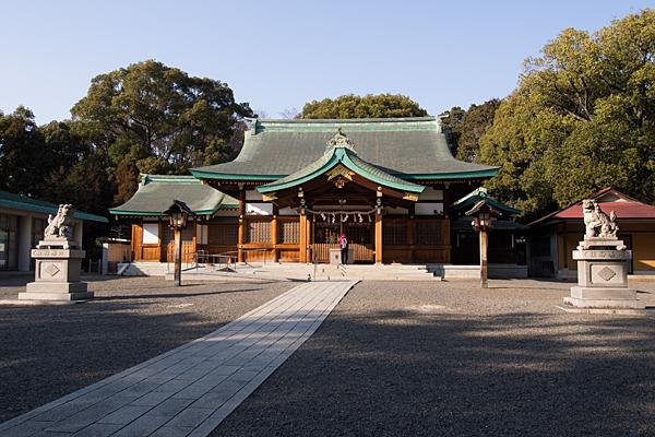 川原神社境内と拝殿