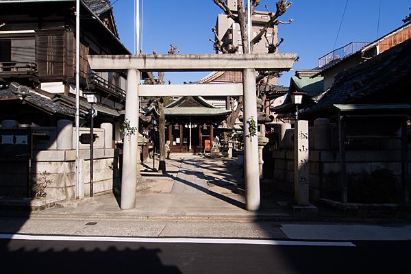松山神社入り口鳥居