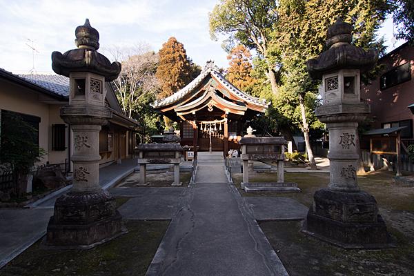 大井神社境内と拝殿