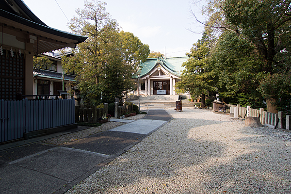 新栄白山神社