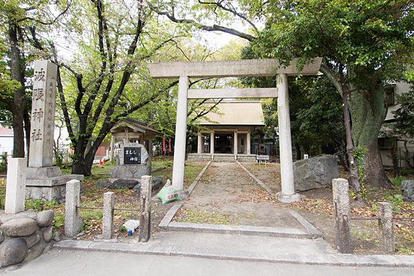 波限神社鳥居と拝殿