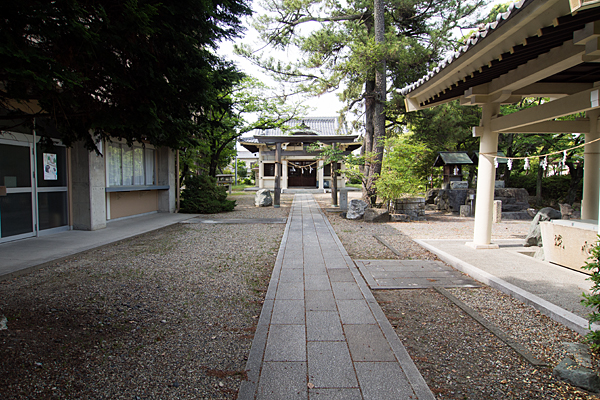 服部八幡神社