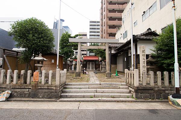 名駅須佐之男神社