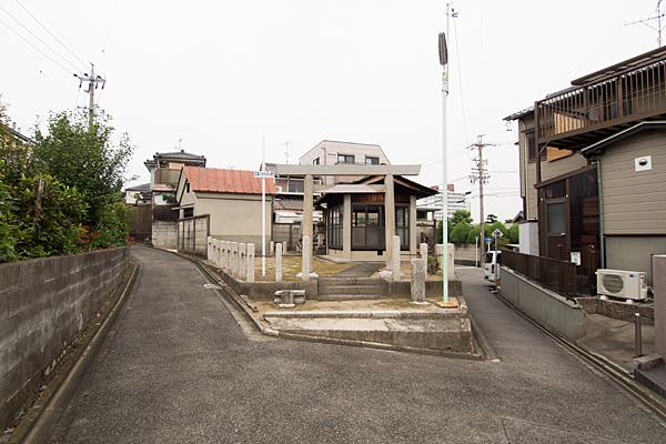 不明社(津賀田町3丁目)