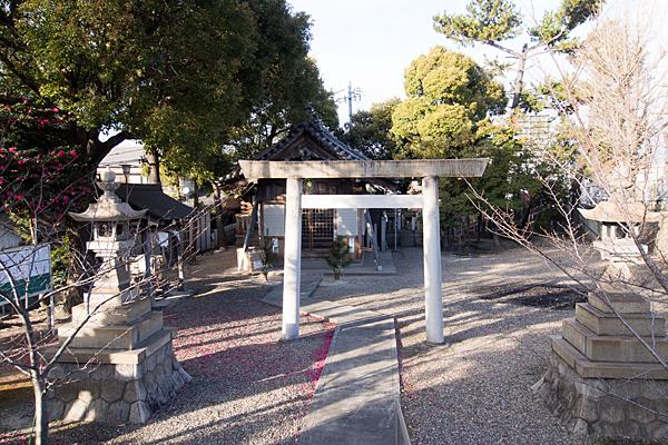 鳴尾町ハノ割稲荷社